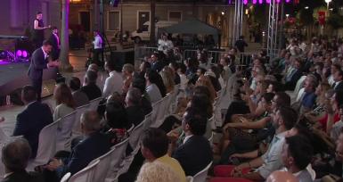 Los asistentes a la gala felicitaron a Quintero por su 33 cumpleaños, entonando el 'Cumpleaños Feliz'.